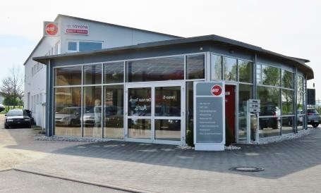Autohaus Frontansicht